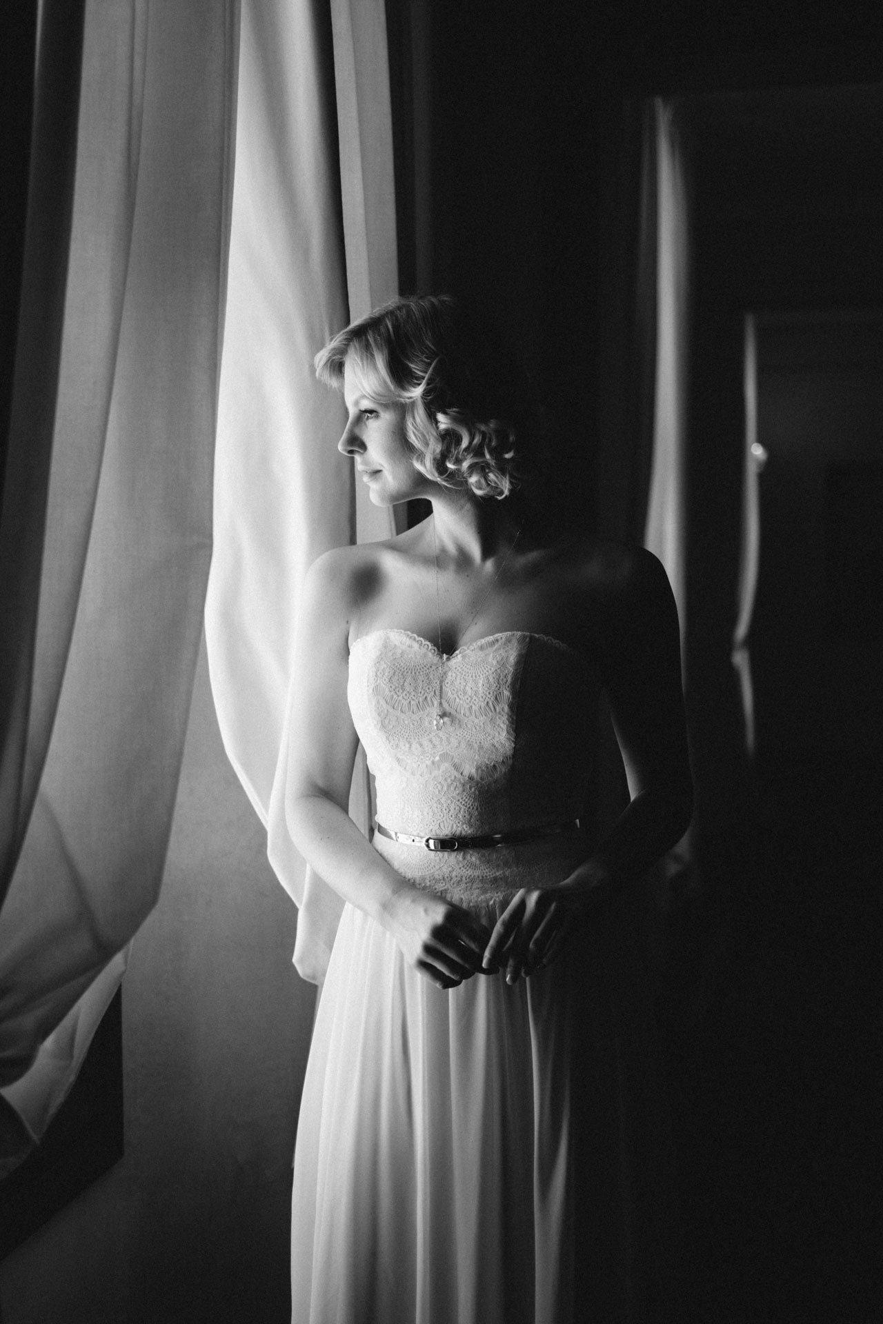 Brautkleid 20er Jahre Stil mit Chiffonrock