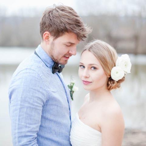 Verträumtes Hochzeitskleid am See – ein Tag mit Poesie