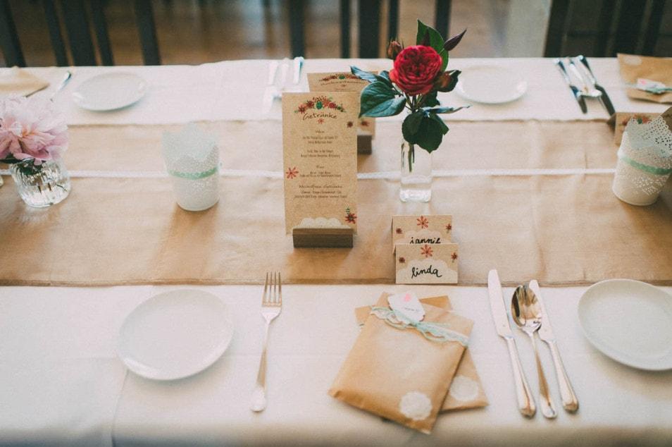 Papeterie für die Hochzeitstafel