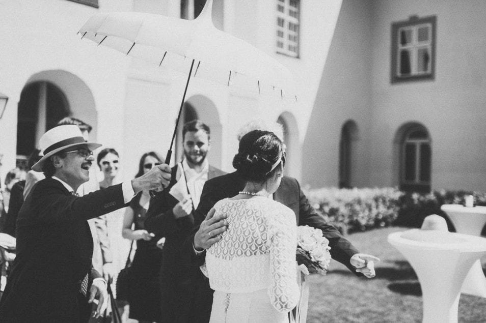 Außergewöhnlicher Schirm für die Hochzeit