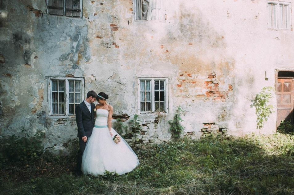prachtvolles voluminöses Brautkleid