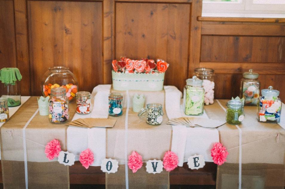 Sweet Candy Table auf der Hochzeit
