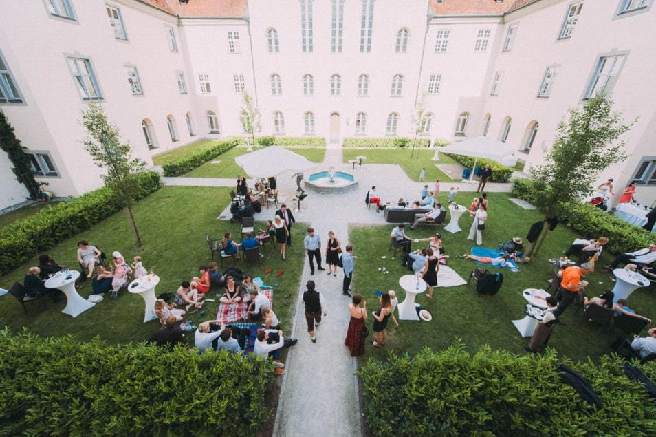 Schlossgarten als Kulisse für Hochzeitsfeier