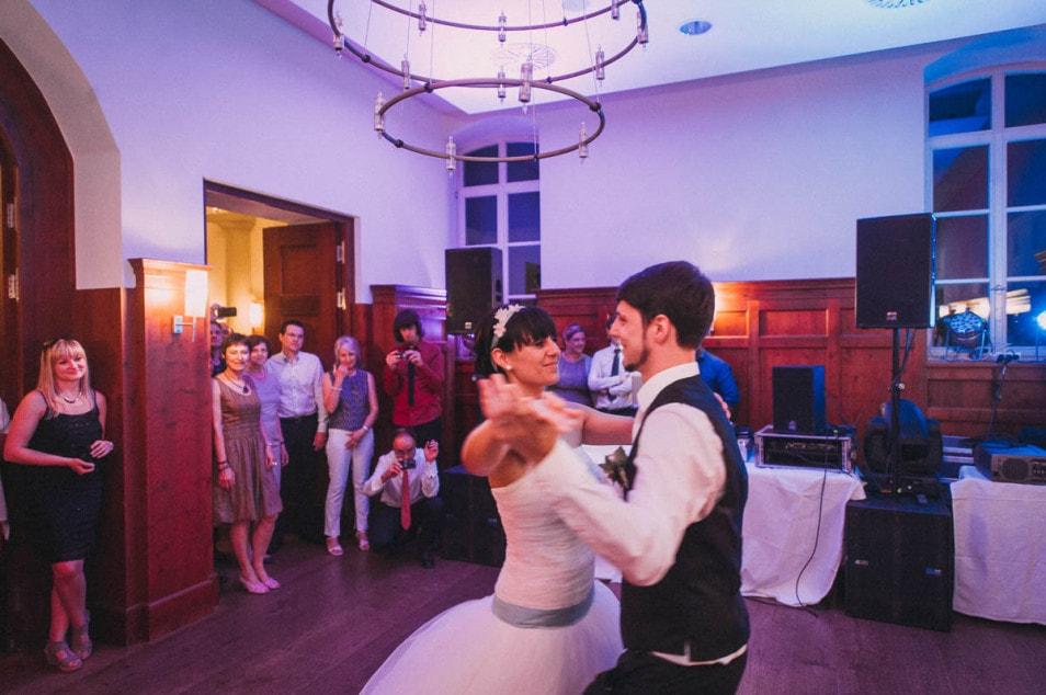 der Hochzeitstanz im Prinzessinnenkleid