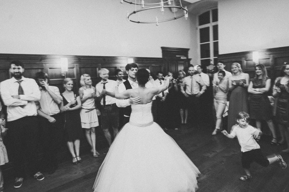 Hochzeitstanz im Tüllkleid
