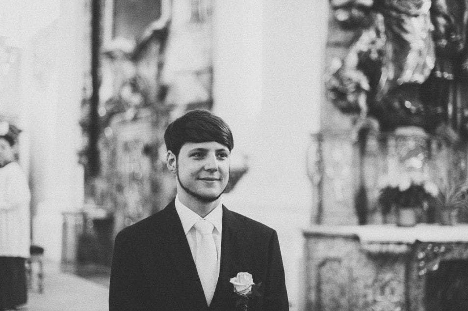 Bräutigam sieht Braut zum ersten mal
