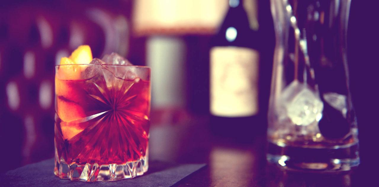 Cocktailbar zur Hochzeit – küssdiebraut trifft Barmänner im Quadrat