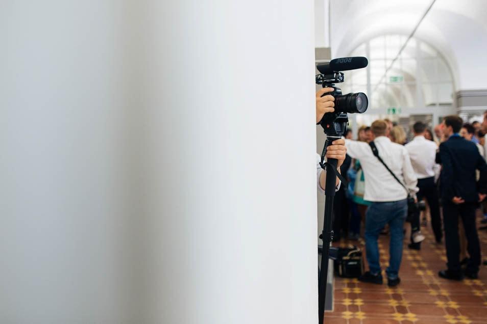 Hochzeistvideograf bei der Arbeit