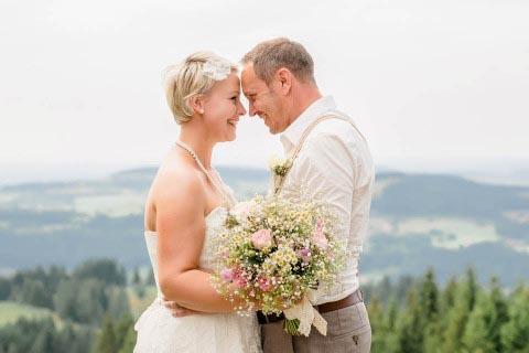 Hochzeit auf der Alm – ein Hoch auf die Liebe!