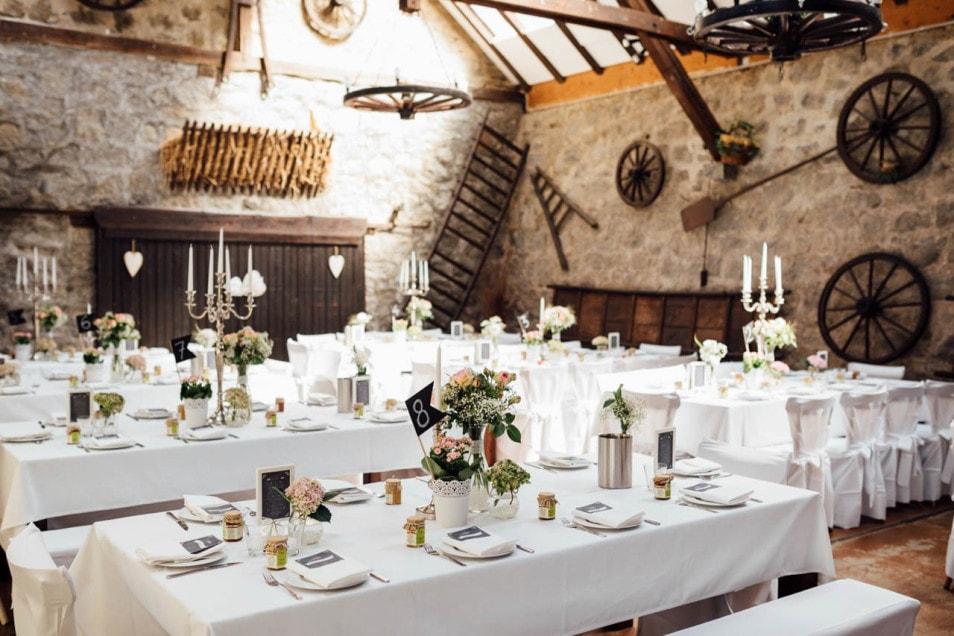 Hochzeitslocation in einer Scheune