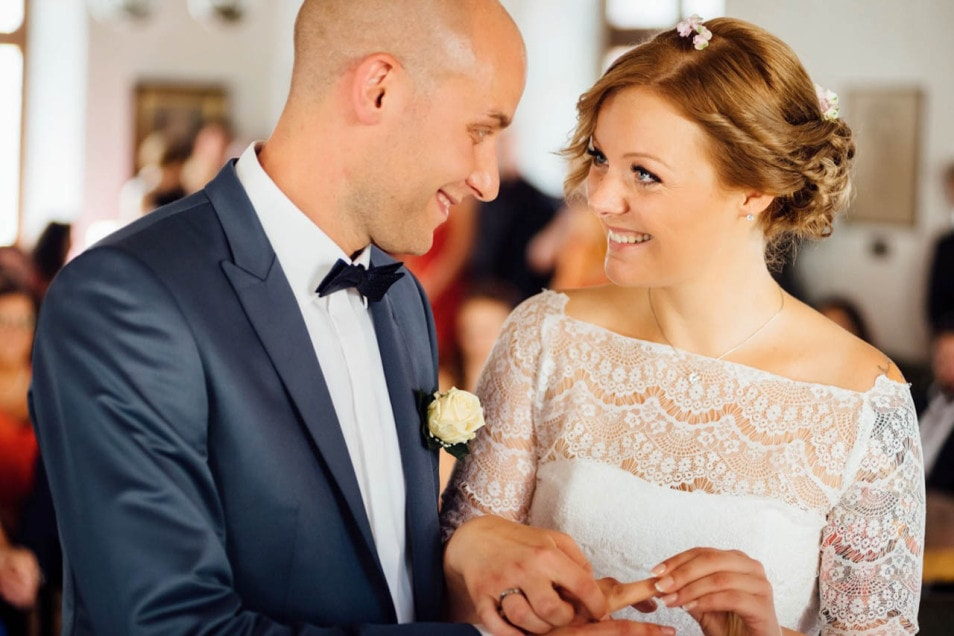 Glücklich standesamtlich verheiratet