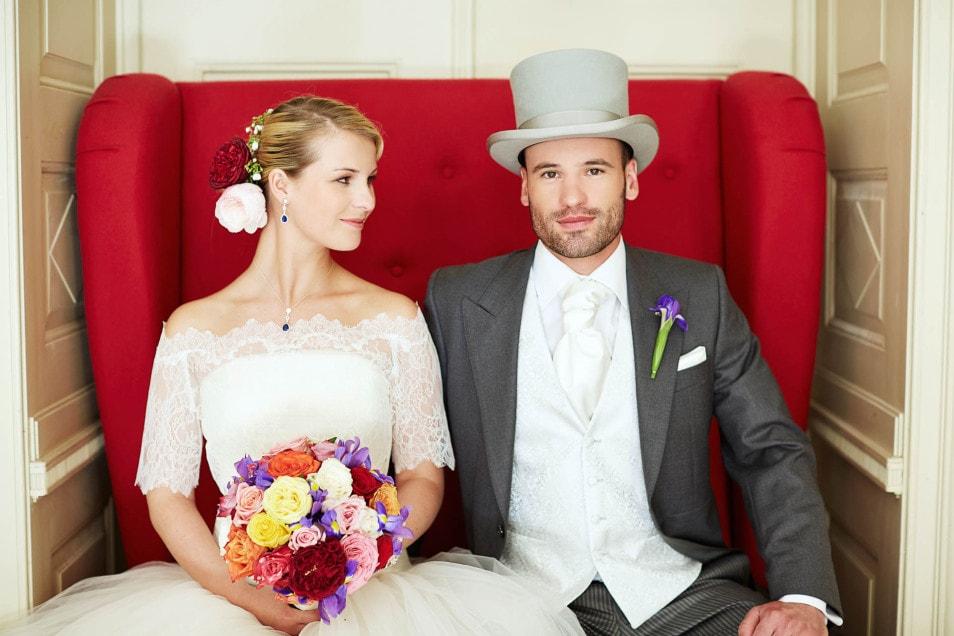 pompöses Brautkleid in barockem Ambiente