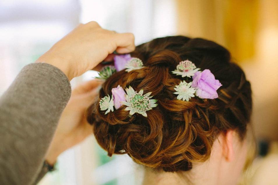 Blumenschmuck fürs Haar