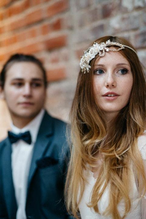 Brautstrauß blau und weiß – Brautkleid Langarm mit Spitze