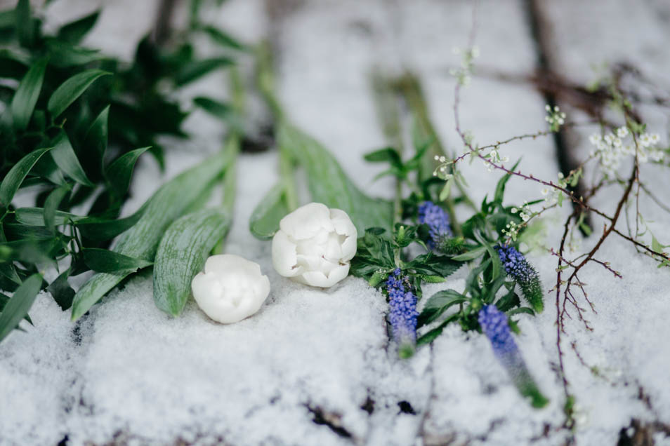 Brautstrauß im Schnee