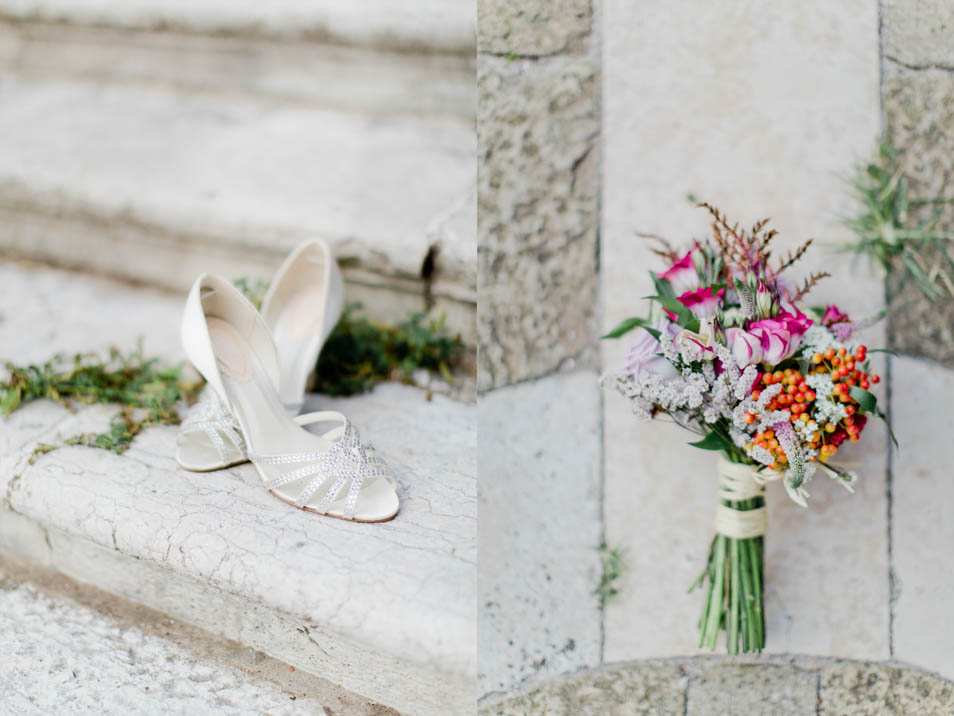 Brautschuhe und Blumenbouquet