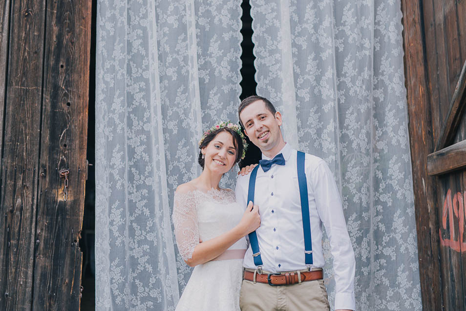 Vintage Vorhang bei DIY Hochzeit