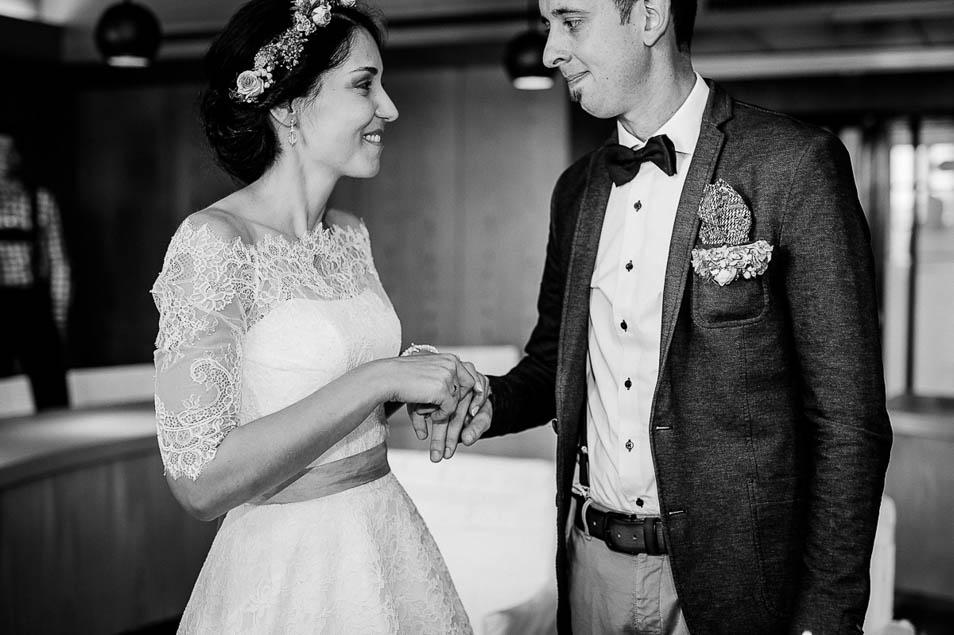 Brautpaar ist gerührt