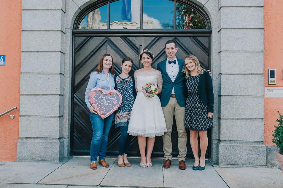 Hochzeitsfoto mit Trauzeugen