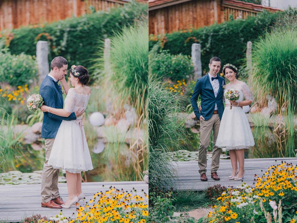 Braut in kurzem Spitzenkleid