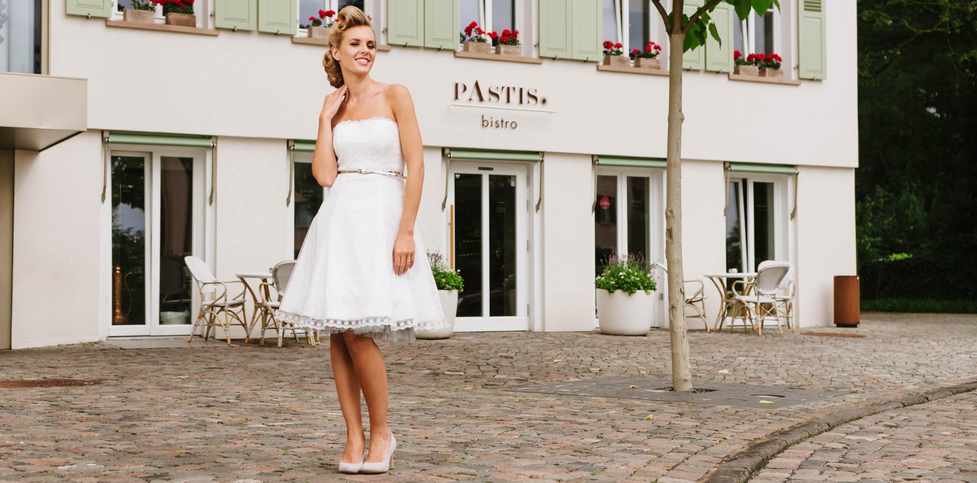 kurzes Brautkleid 50er Jahre – in Spitze und Tüll – Kelly ...
