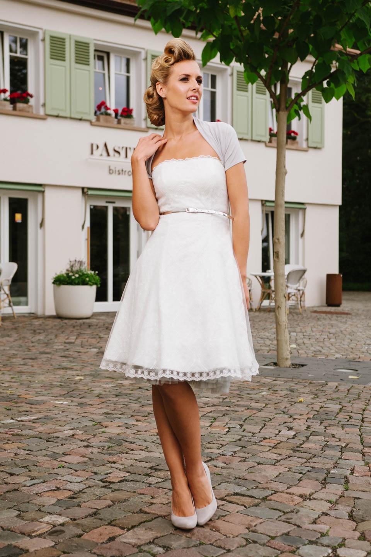 ... 50er Jahre kurzes Petticoat Hochzeitskleid in Spitze und Tüll