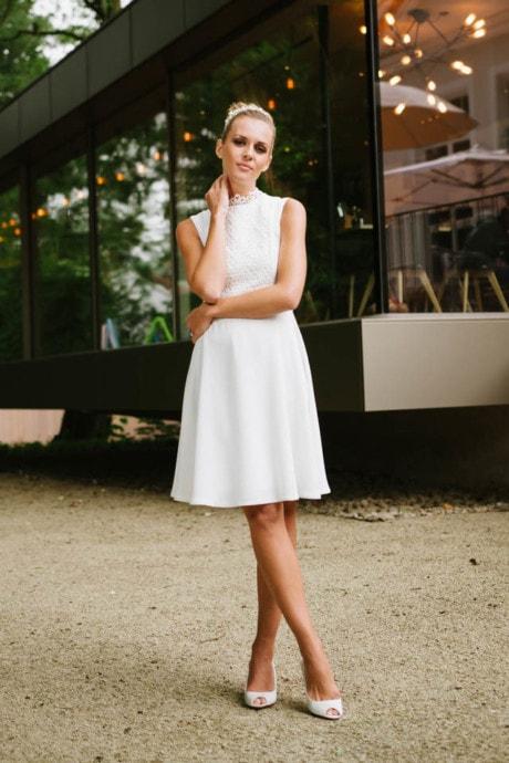 Brautkleid 60er Jahre – fließender Crepe mit Spitzen-Einsatz – Shelly