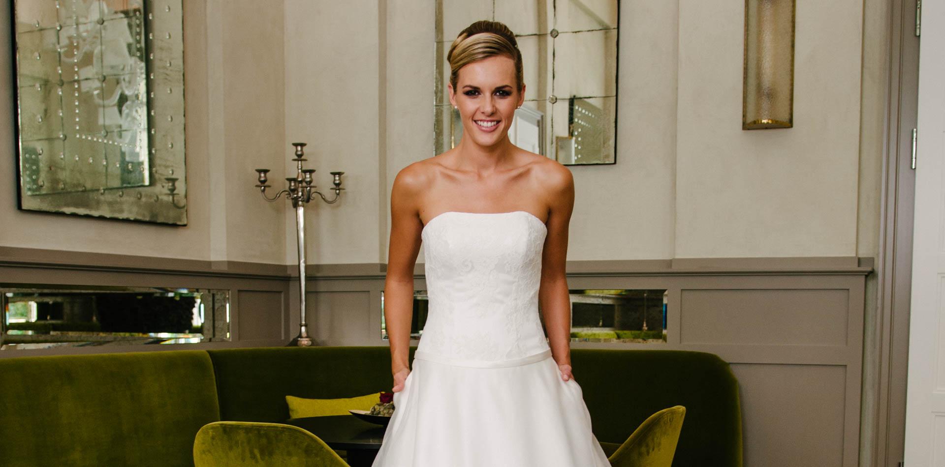 Brautkleid A-Linie – mit tiefer Corsage und Taschen – Vivienne