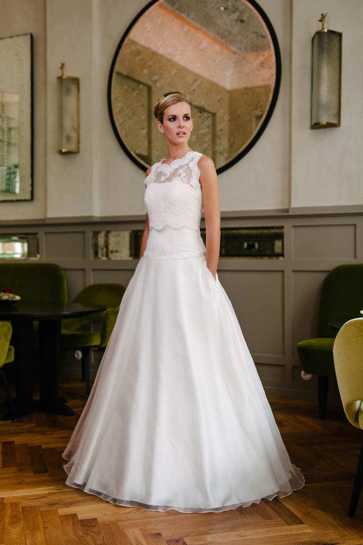 Brautkleid A-Linie in Seidenorganza und mit Spitzenbolero Taschen