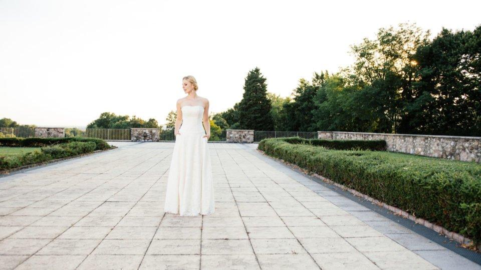 Brautkleid A-Linie - mit tiefer Corsage