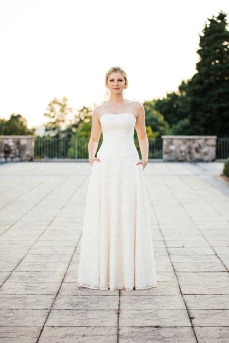 Brautkleid A-Linie – mit tiefer Corsage und Taschen – Tilda