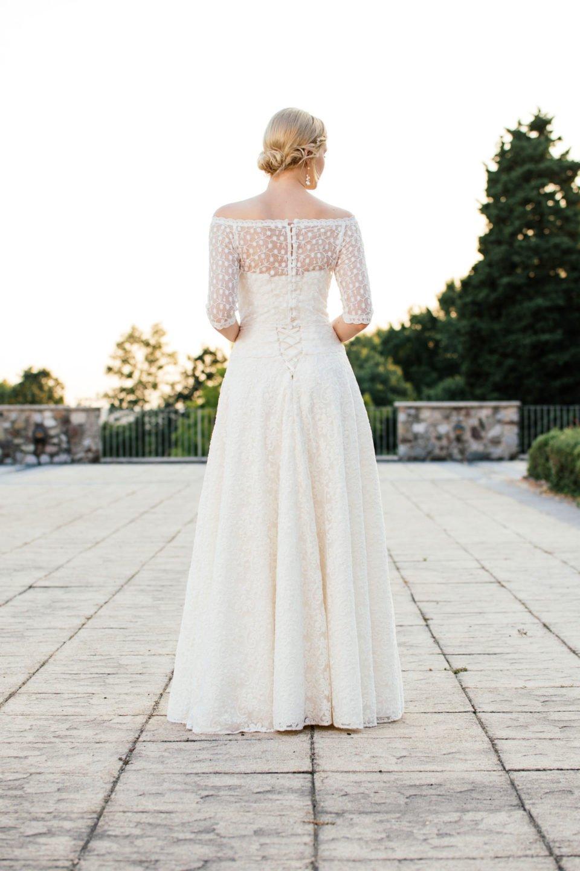 Brautkleid A-Linie - mit tiefer Corsage und Schnürung