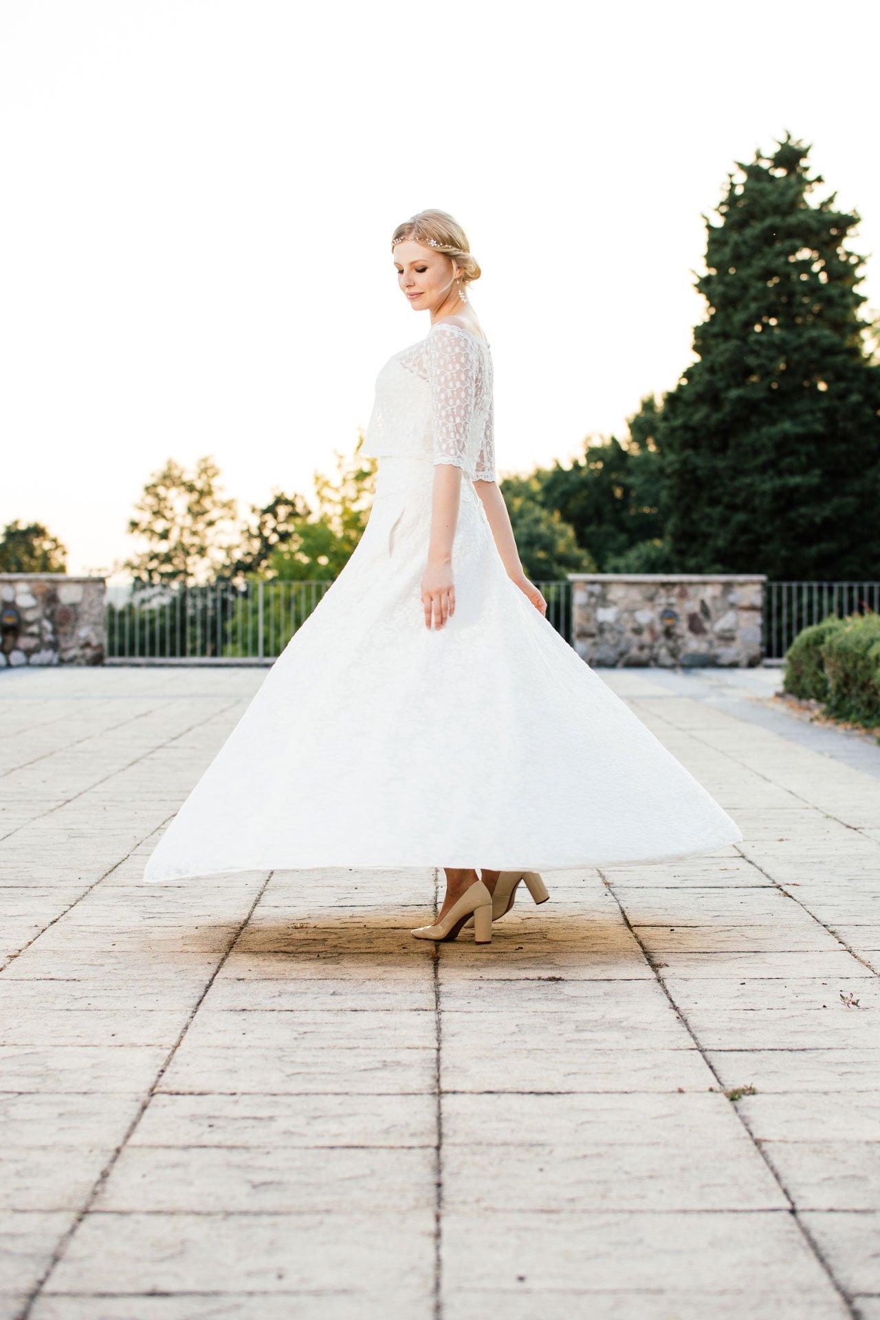 Brautkleid A-Linie - mit tiefer Corsage zum Tanzen