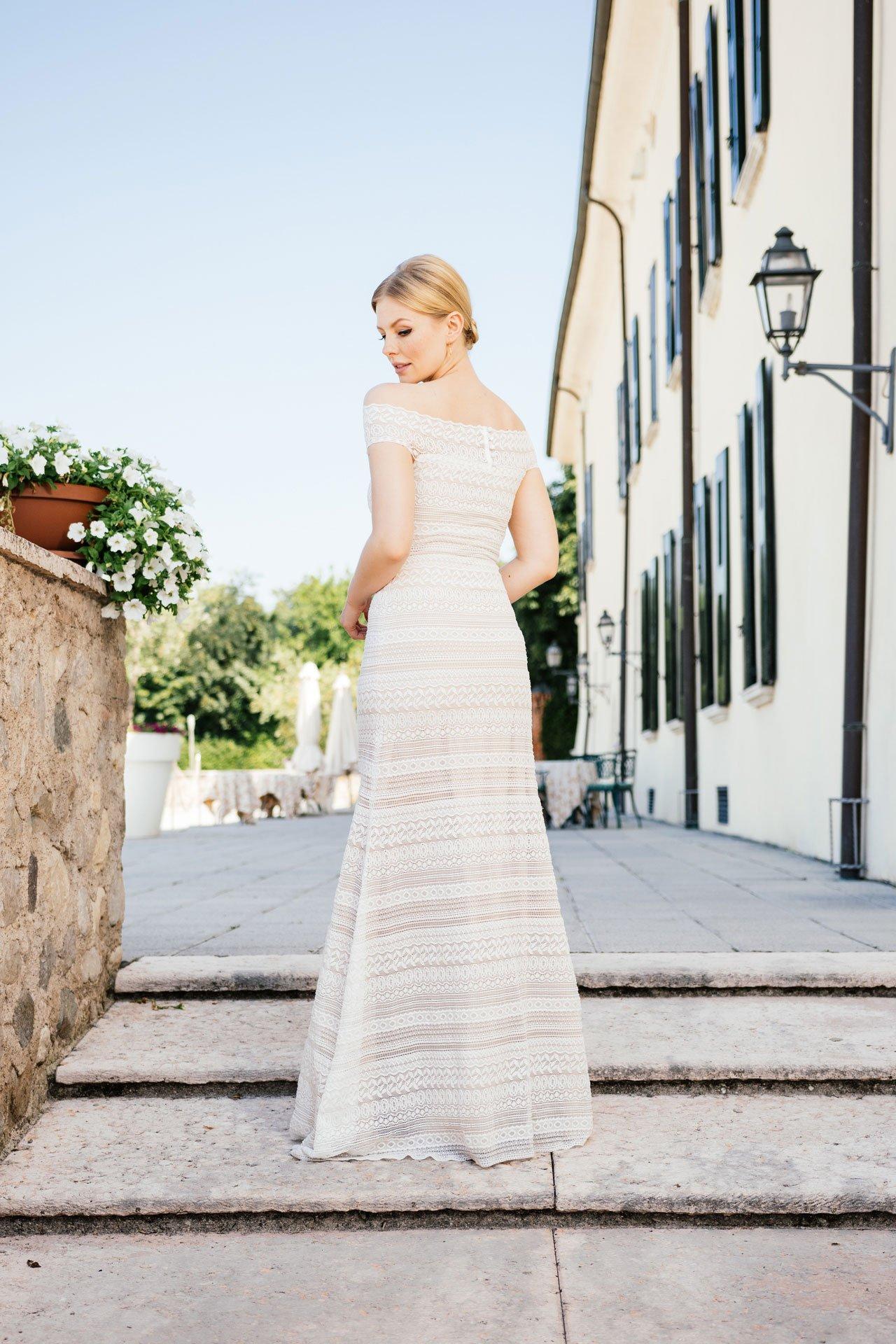 Brautkleid Carmenausschnitt - Stretchkleid von hinten