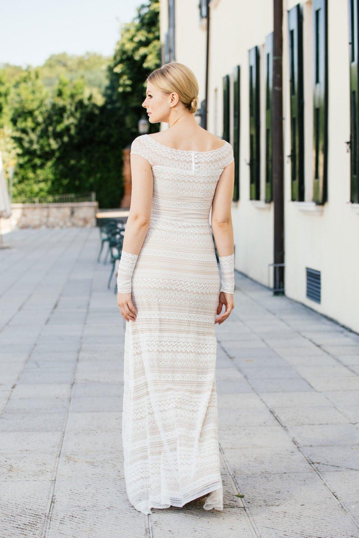 Brautkleid Carmenausschnitt Rückenansicht