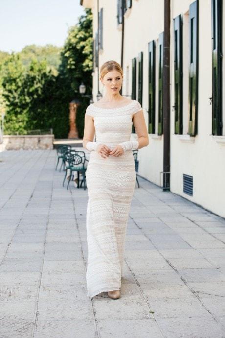Brautkleid Carmenausschnitt – Stretchkleid in Streifenspitze – Lale
