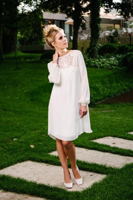 Brautkleid kurz Vintage – aus Seide mit Häkelspitzen-Dekolleté – Vicky