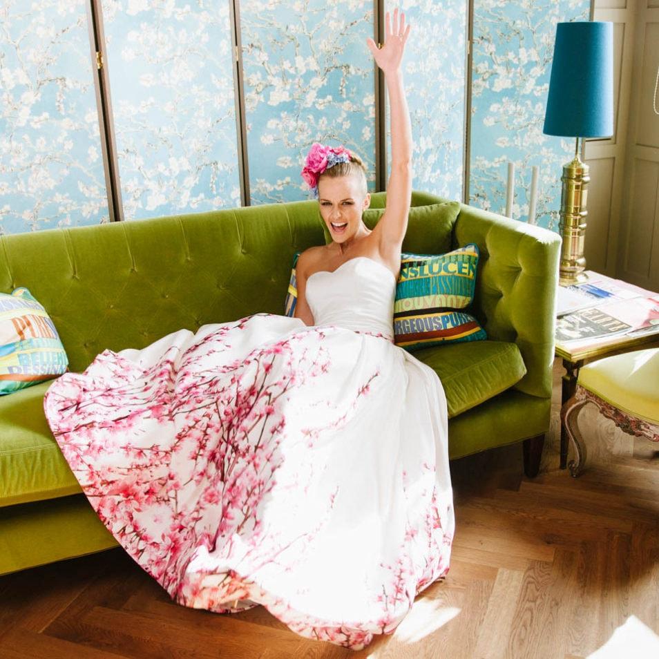 Brautkleid mit Farbe Party