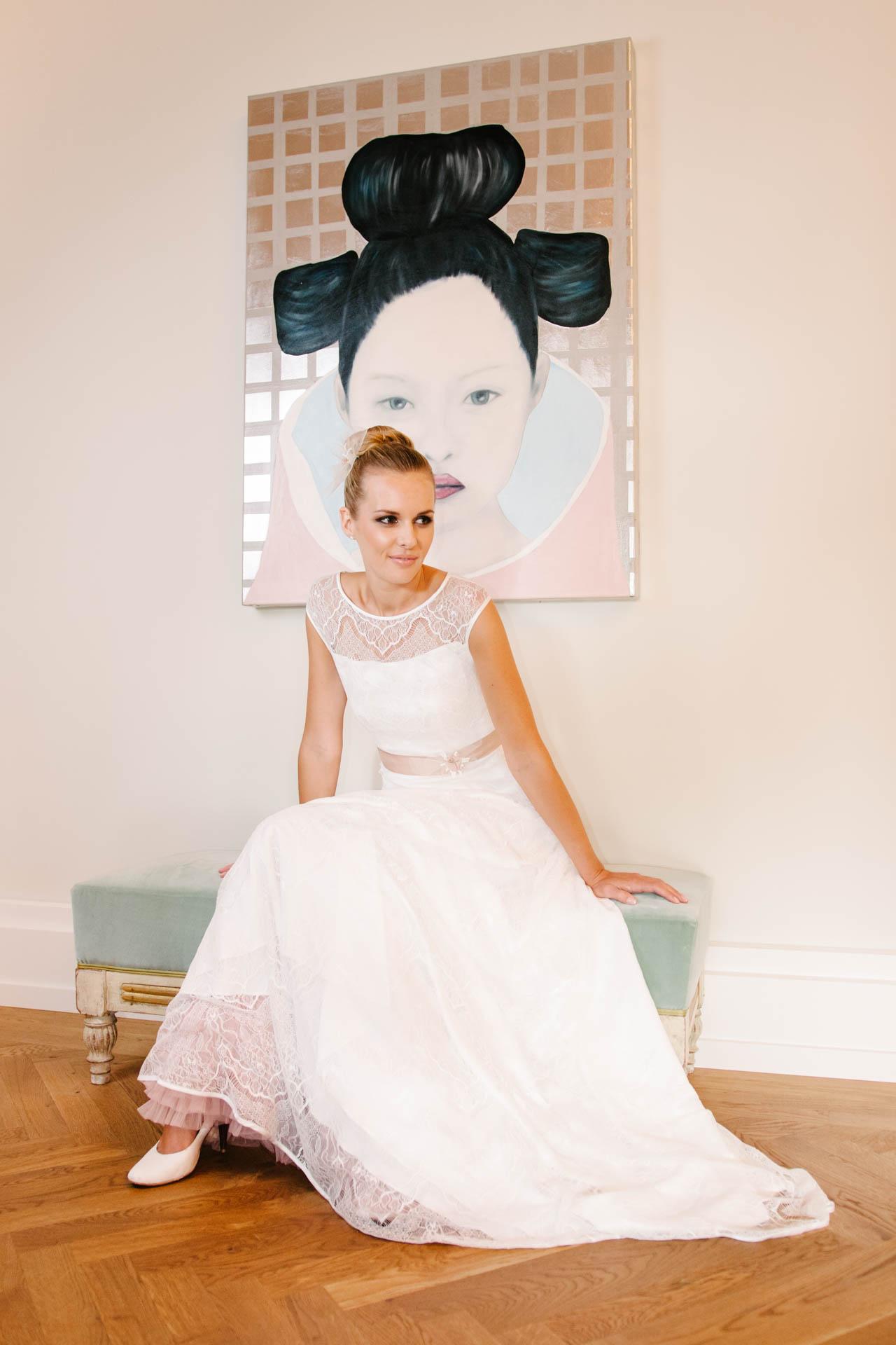 Brautkleid mit Trägern transparenter Schulter