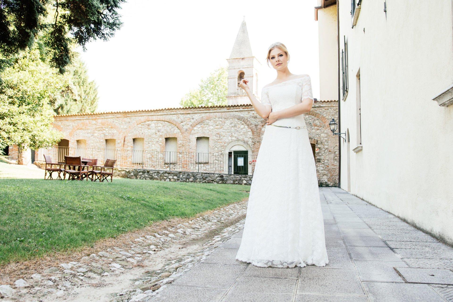 Brautkleid schulterfrei A-Form