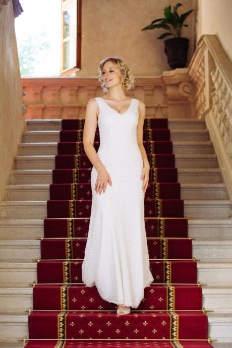 Brautkleid V-Ausschnitt in graphischer Spitze – Adele