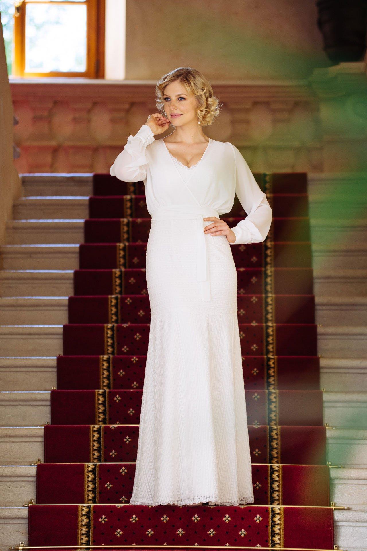Brautkleid V-Ausschnitt mit Wickelbolero
