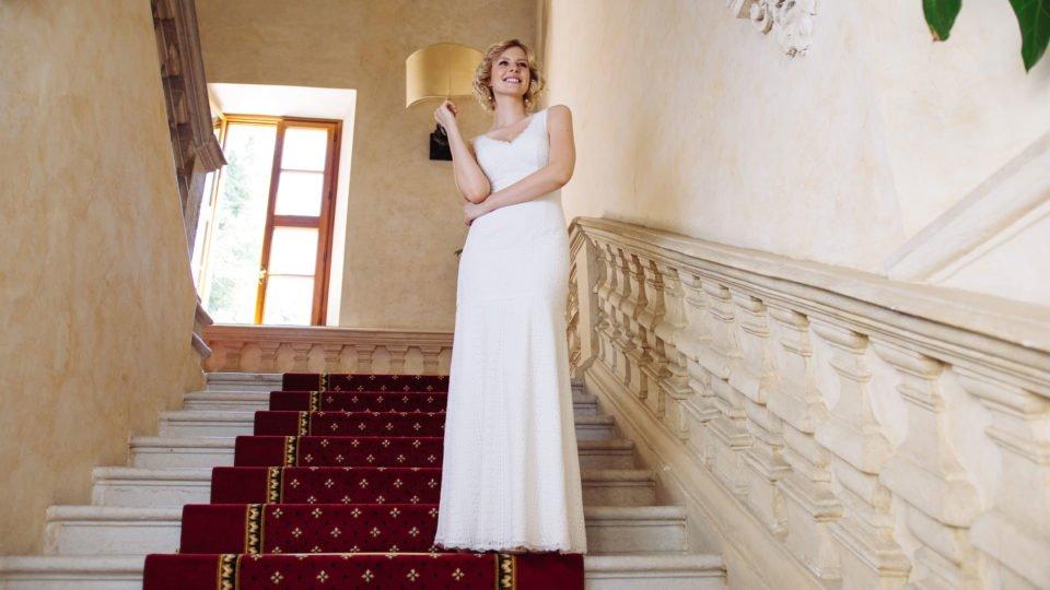 Brautkleid V-Ausschnitt in graphischer Spitze - Adele