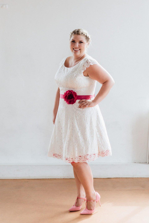 Trendige Brautkleider große Größen – küssdiebraut in 48,50 und 52!