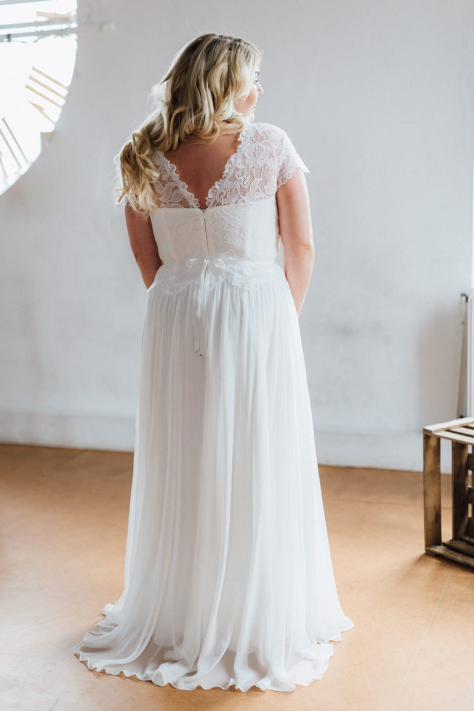 Brautkleider Größe 48 50 52 Phöbe Rücken