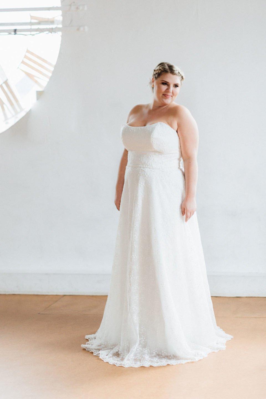 Brautkleider große Größen Sue