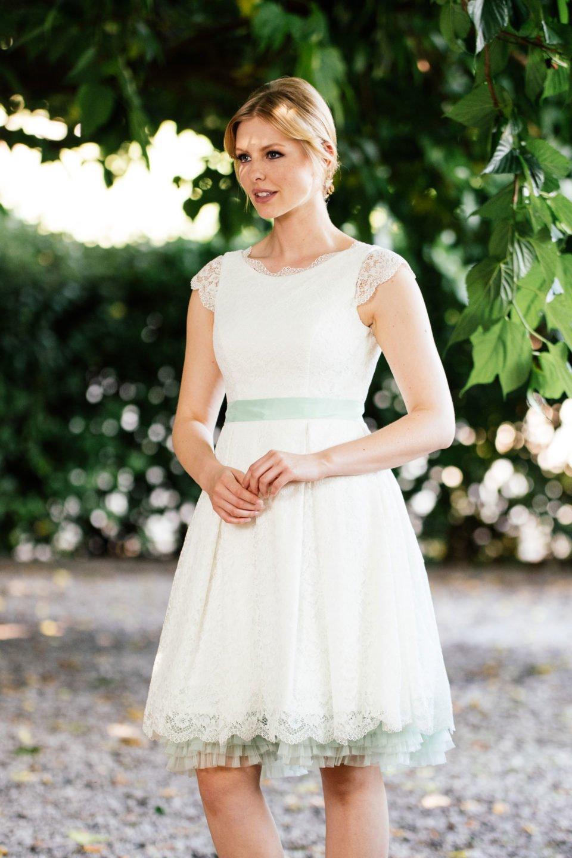 Rockabilly Hochzeitskleid - mit Taschen und Flügelarm mit Accessoires Mint