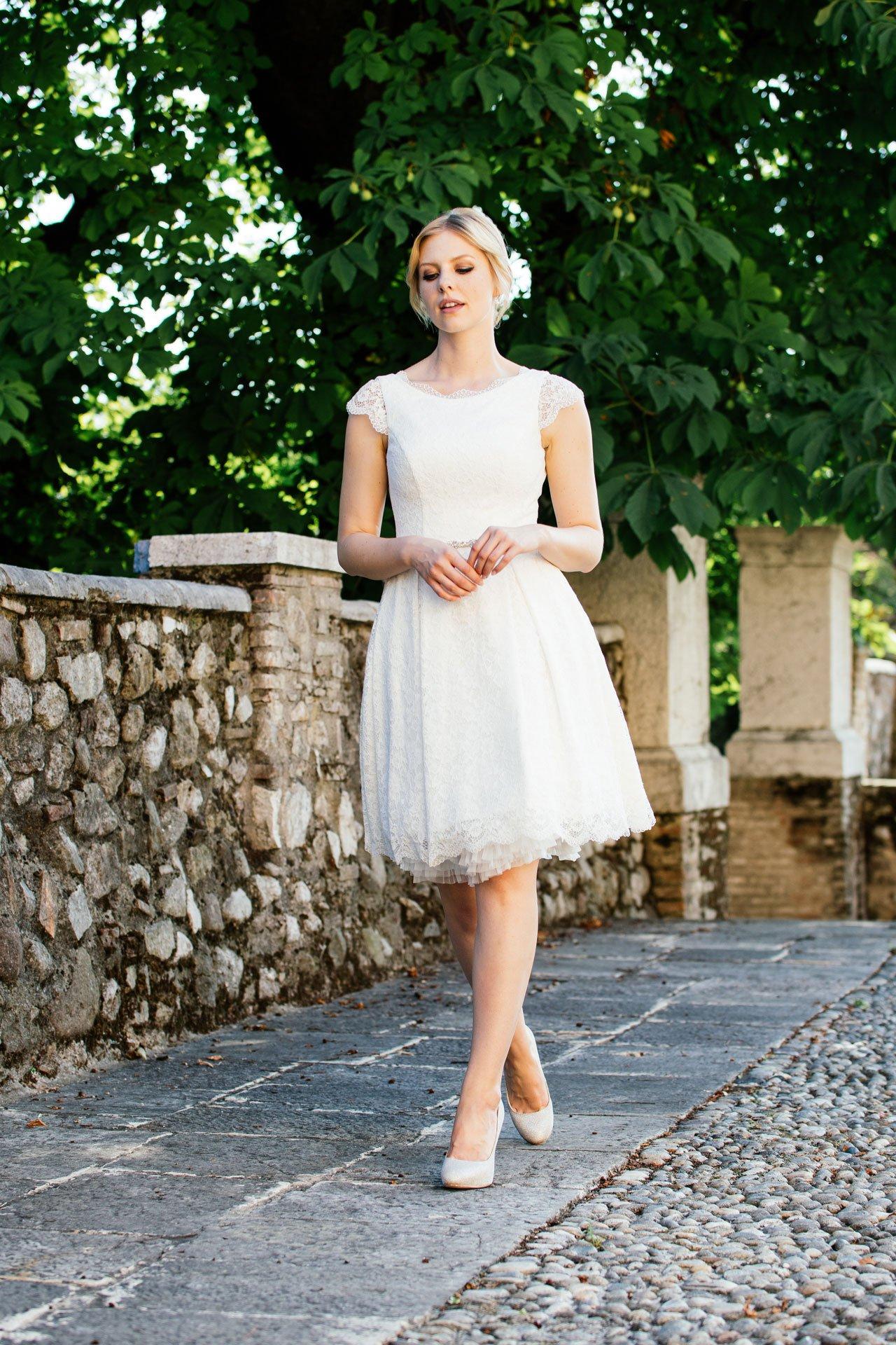 Rockabilly Hochzeitskleid - mit Taschen und Flügelarm in Pearl