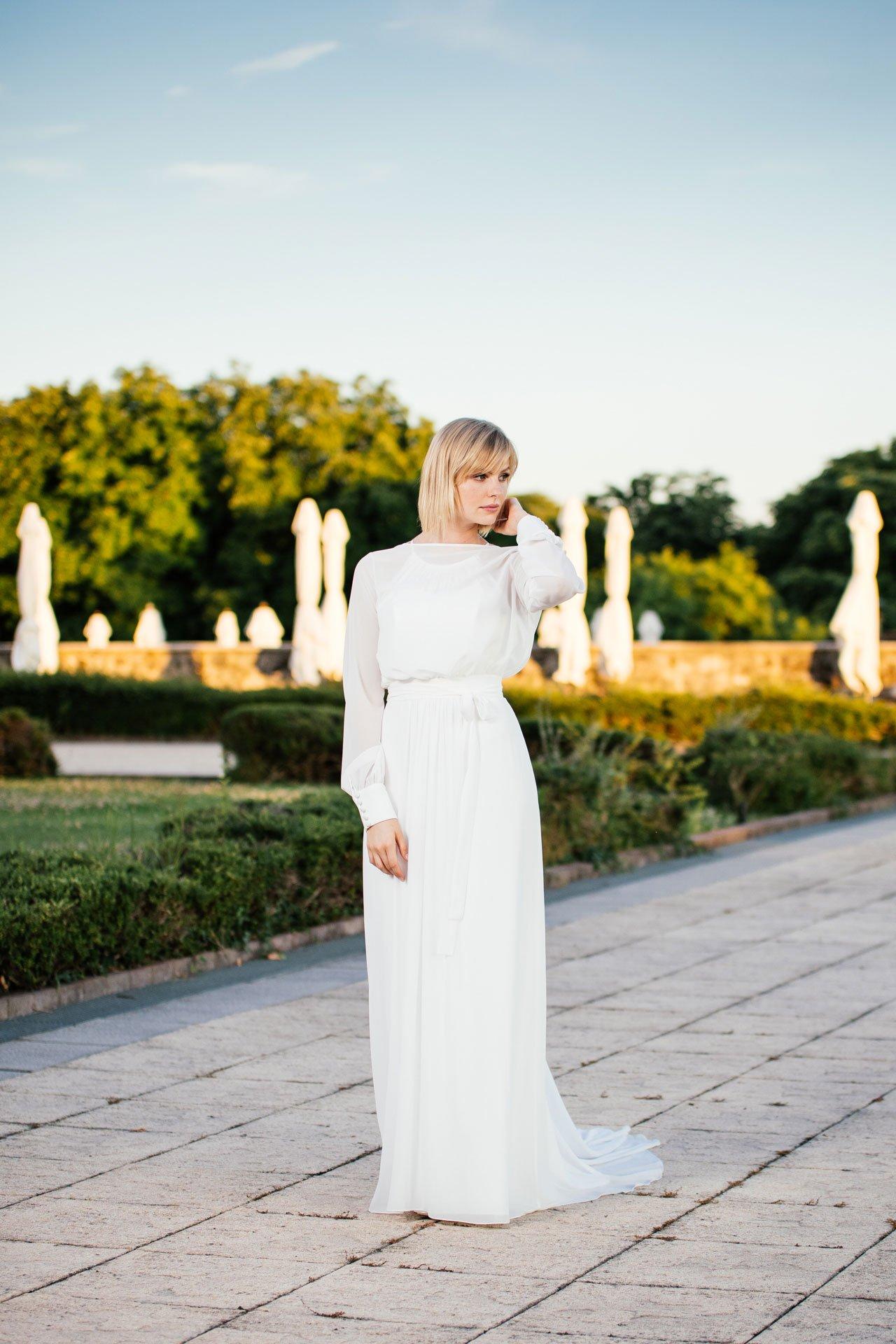 schlichtes Brautkleid - mit Schlep
