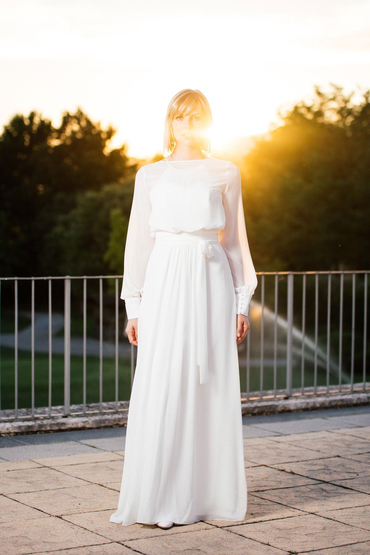 schlichtes Brautkleid - schmal